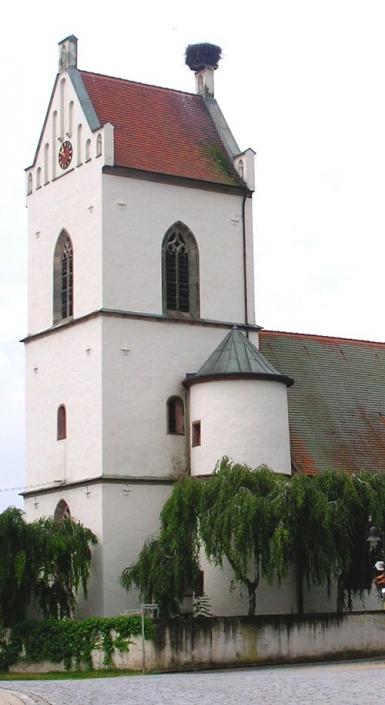 Storchennest auf der Kirche St. Jakobus Muhr